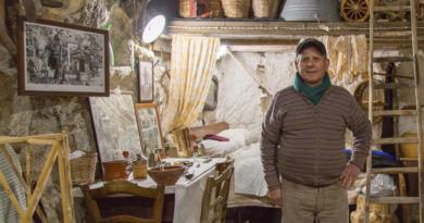 A Rutta ri Ron Carmelu: ricordi di una Sicilia che si arrangia, ma resta viva